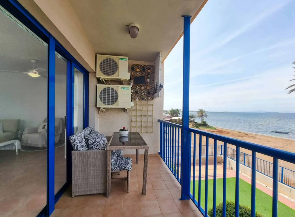 Balcony sea views and living room