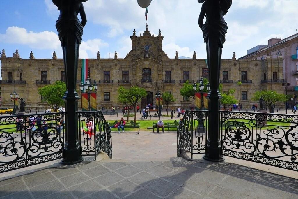 Kiosk in the Guadalajara Plaza de Armas with the Palacio de Gobierno in the background