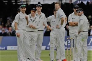 Santner replaces Neesham, New Zealand waits for Taylor