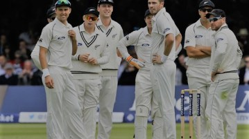 Santner replaces Neesham, New Zealand waits for Taylor