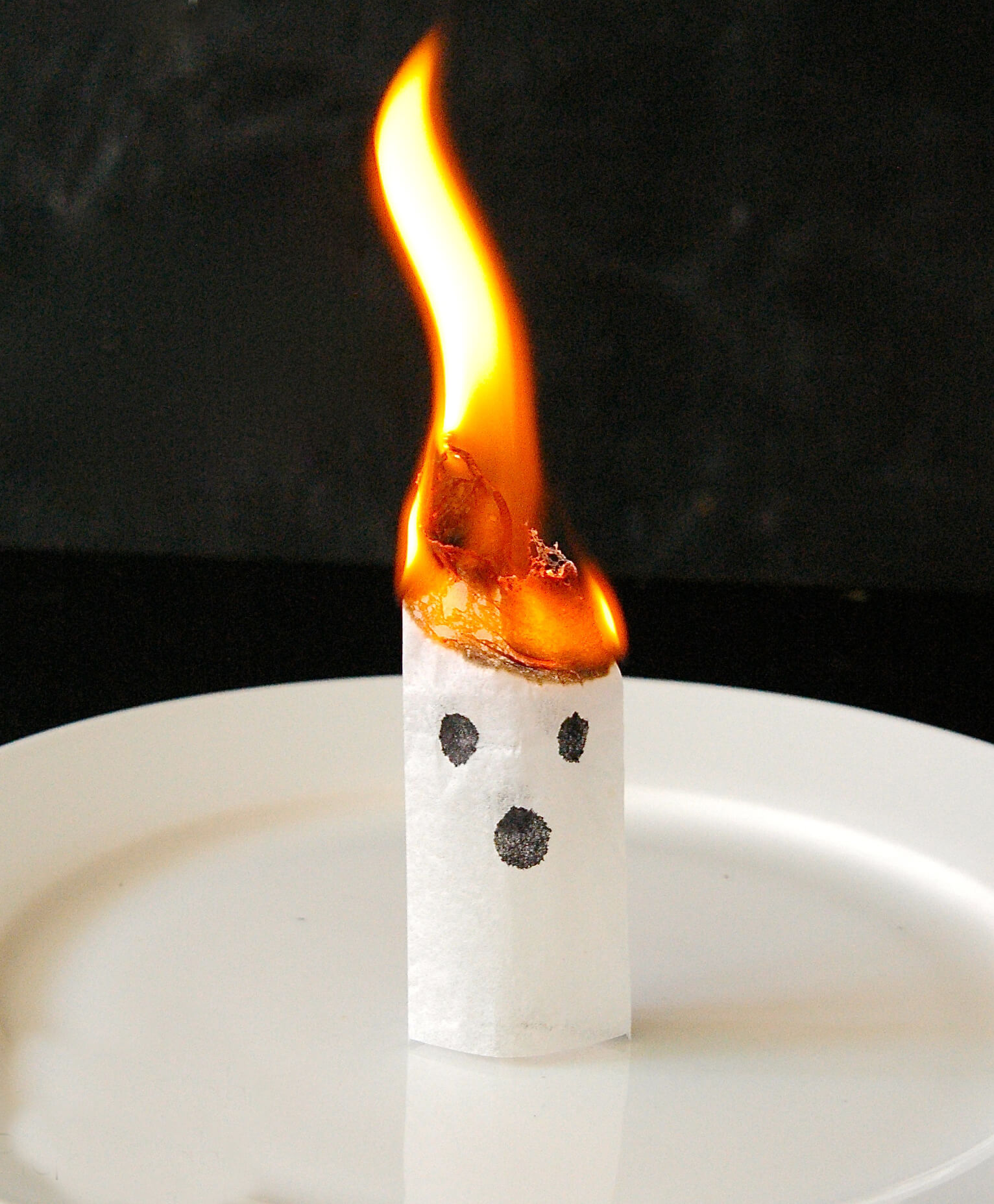 20 Must Try Halloween Science Experiments For Kids