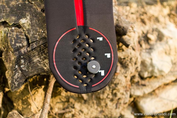 La griglia per agganciare la macchina fotografica allo Strap&Wrap