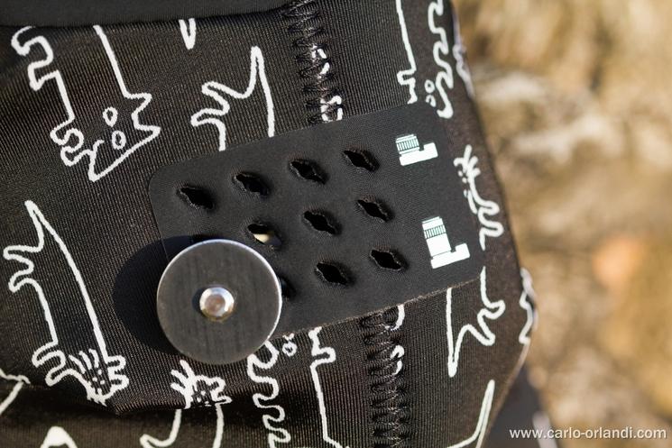 La griglia per agganciare la macchina fotografica al Grip&Wrap