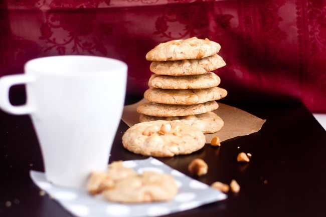 Chocolate Chips Macadamia Nuts Cookies 4