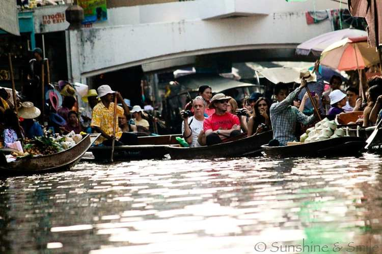 The Floating Market in Thailand 2