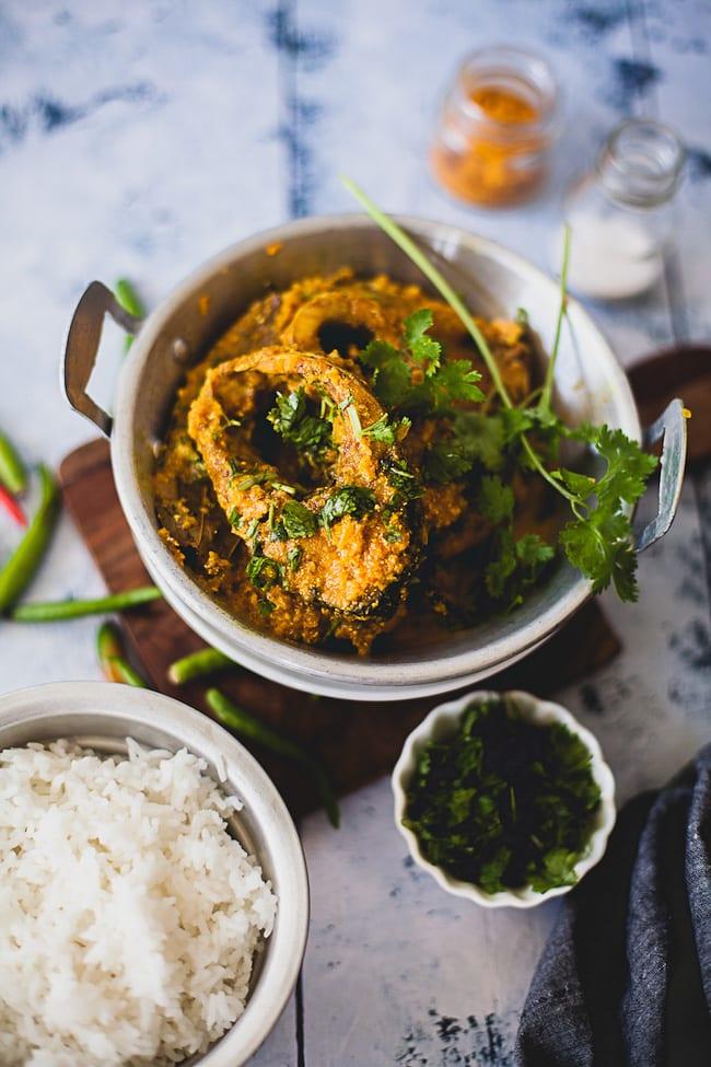 Doi Mach (Fish in Yogurt Gravy) | Playful Cooking
