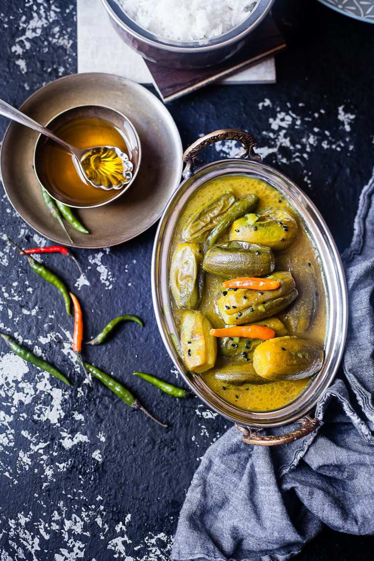 Tel Potol | Very Light Parwal / Pointed Gourd Curry | Playful Cooking #foodphotography #indian #curry #recipe #everyday #vegetarian