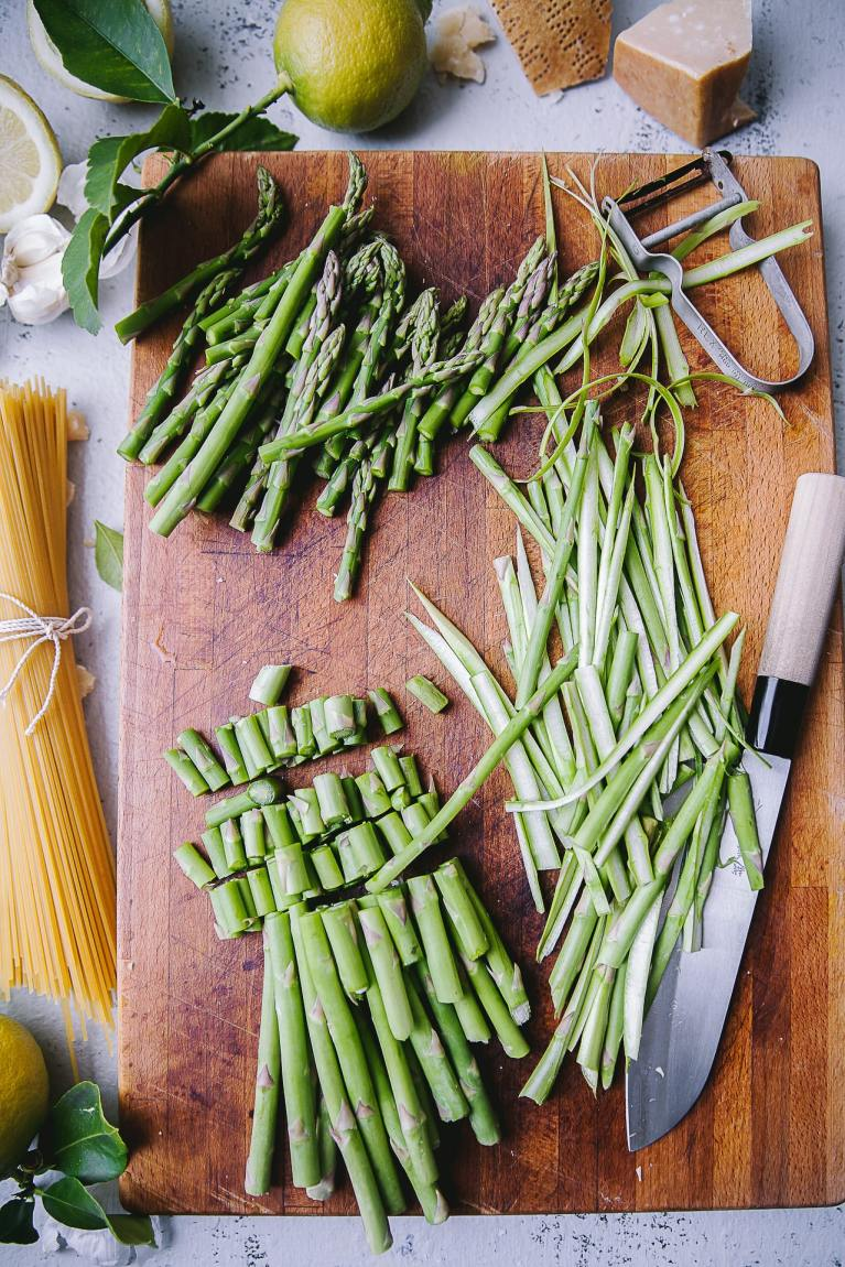 Ingredient shots for Asparagus Spaghetti (Pasta with Asparagus) #foodphotography #pasta #photography #noodles #spaghetti #easy #5ingredients