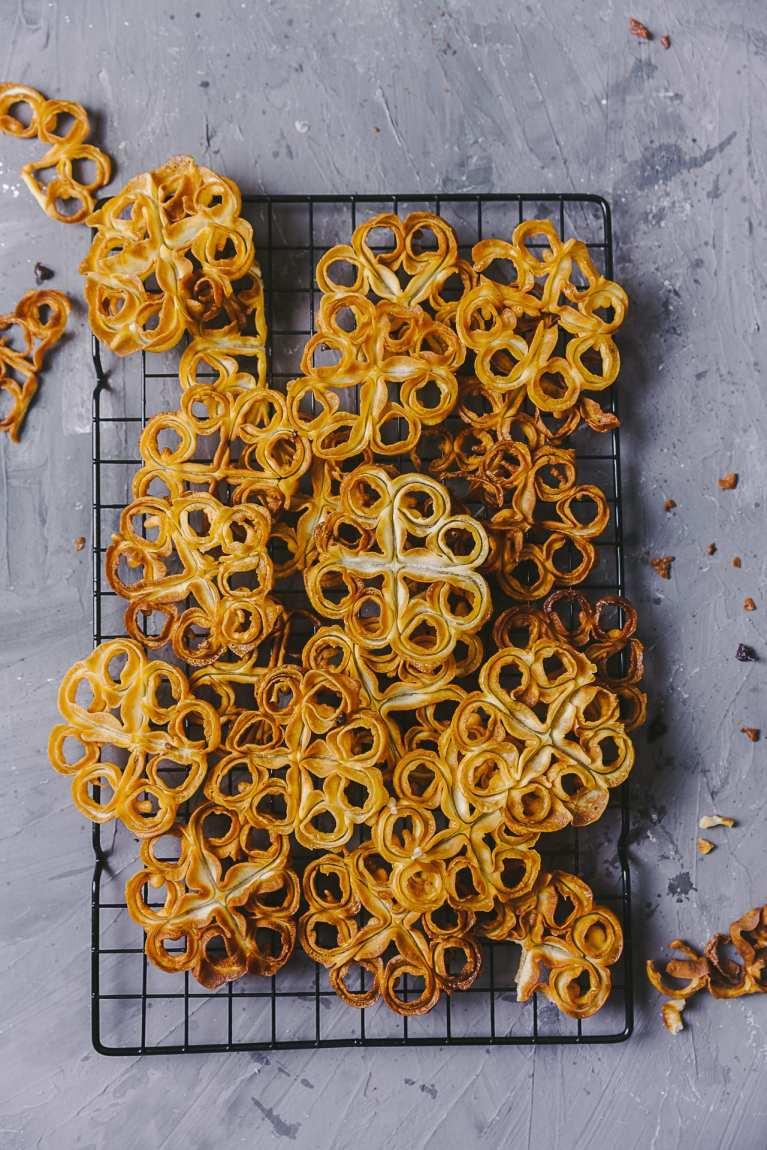 Fuljhuri Pitha | Rose Cookies 3