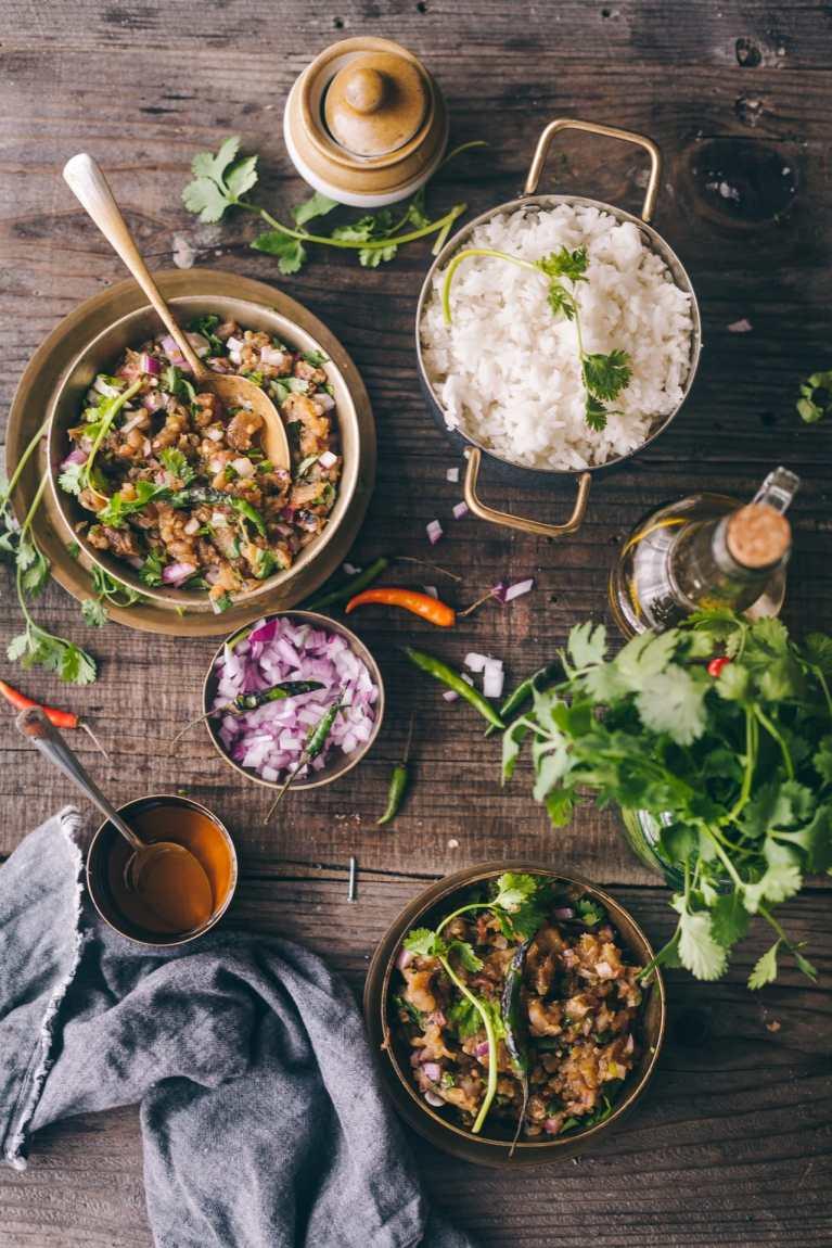Bengali Style Roasted Eggplant - Pairs best with rice! #begunpoda #foodphotography #foodstyling #eggplant #roasting #bengalirecipe