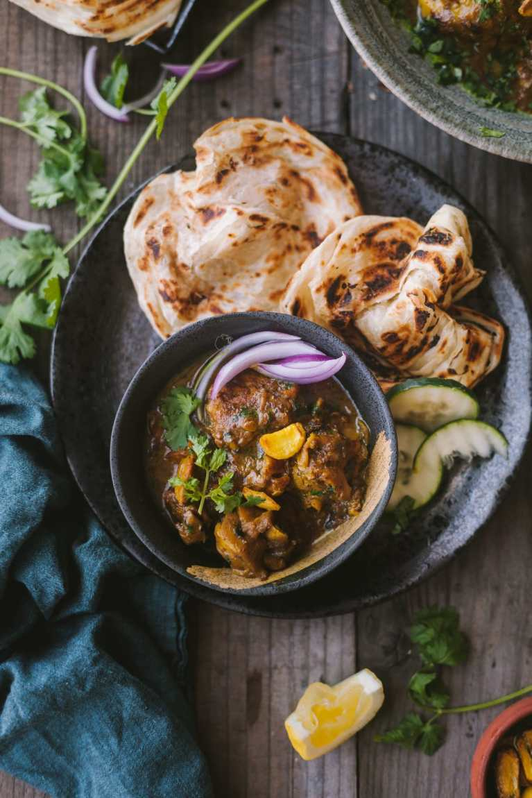 Delicious Garlic Chicken Curry with paratha
