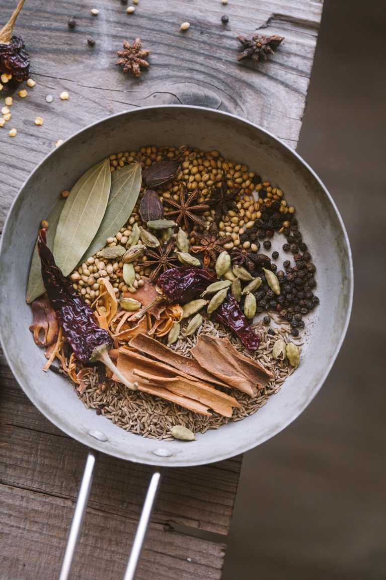 Whole spices used in Garam Masala