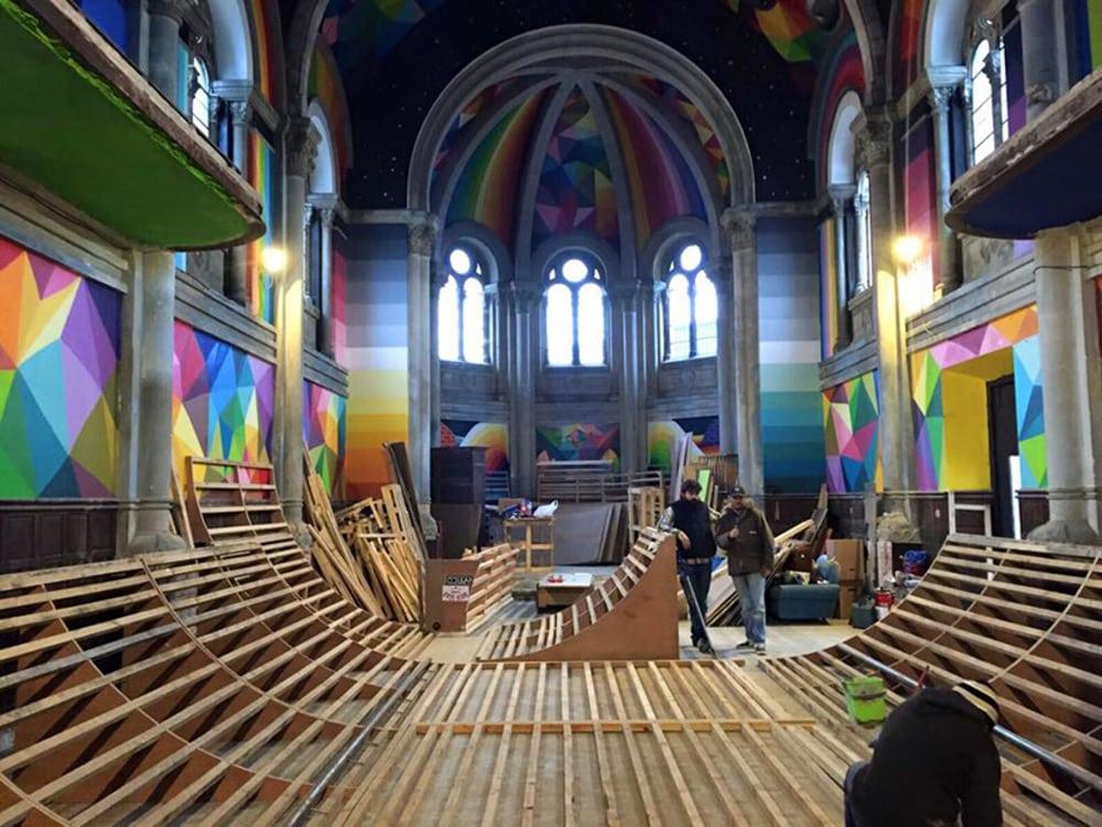 travaux dans l'église transformée en skatepark