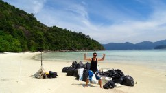 ©playingtheworld-trash-hero-kohlipe-thailande-22