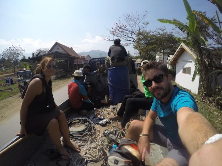Des auto-stoppeurs au laos