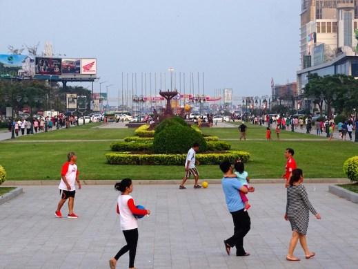 ©playingtheworld-phnompenh-cambodge-10