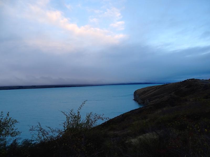 Tombée de la nuit sur le lac Pukaki