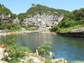 @playingtheworld-canoe-ardeche8