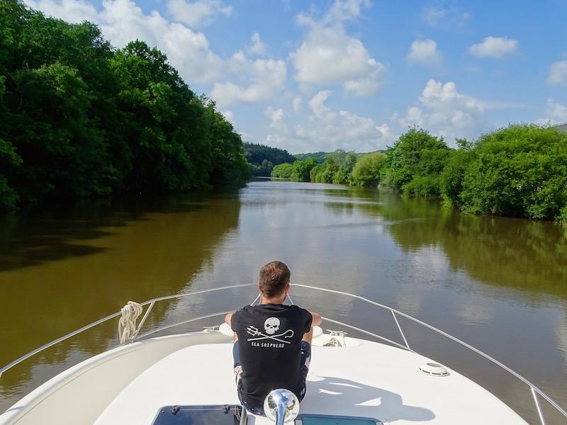 ©playingtheworld-mayenne-fleuve-bateau-laval (13)