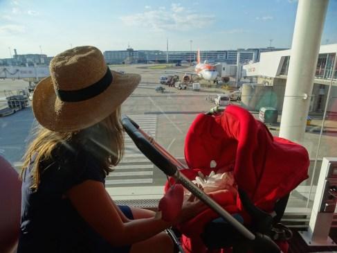 Aéroport avec bébé