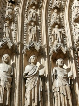 ©playingtheworld-week-end-rouen-normandie-cathedrale-statue