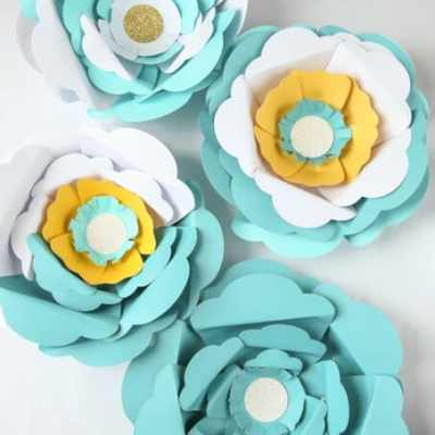 How to Make Big Paper Flowers in Minutes