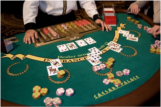 how to play pontoon Blackjack in Vegas