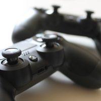 Come condividere giochi digitali e PlayStation Plus su PS4 con un amico - Guida