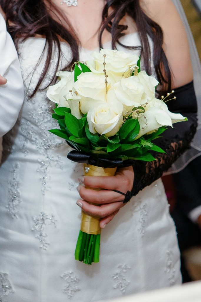 various flower choices for weddings
