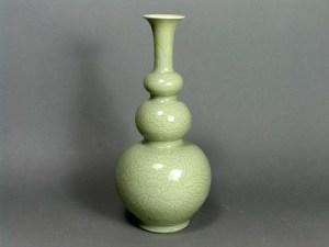 Chinese Kangxi Carved Celadon Triple Gourd vase