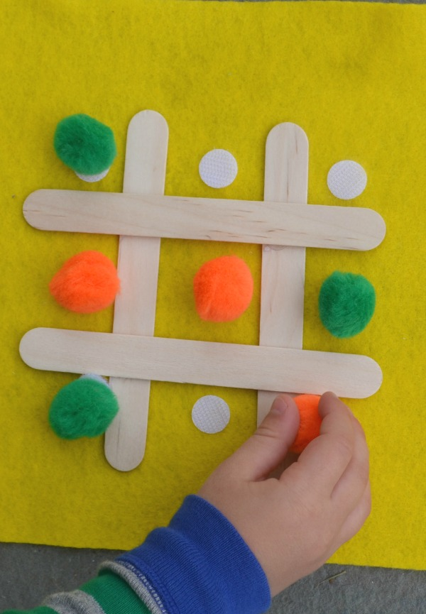 Busy Bag for fine motor skills - make your own tic tac toe busy bag