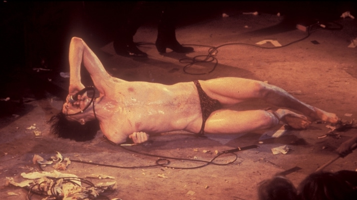 Lux Interior on stage. © thecramps.com