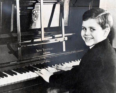 elton-john-childhood-photo
