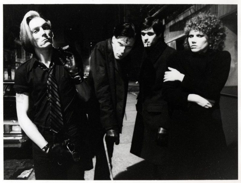 5-garage-punk-band-the-cramps-standing-outside-the-club-1977