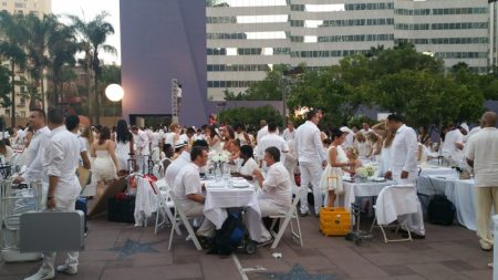 Setting Up for Diner en Blanc