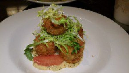 Crab Cake (Creole remoulade, grapefruit fennel soft herb salad)
