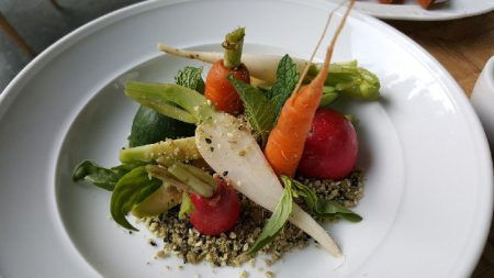 young-vegetable-crudite