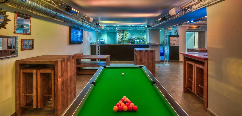 The Drop Inn Bar in Courchevel