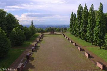 Ausblick zur Rheinebene am Ehrenfriedhof Heidelberg