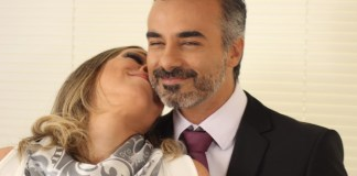 Casal sorrindo