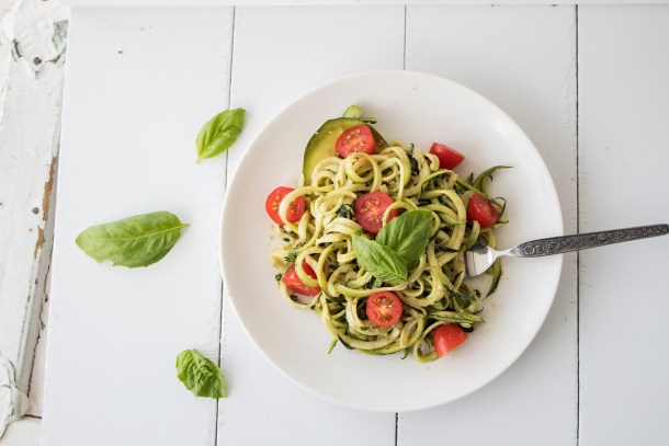 easy vegan pesto zoodles healthy