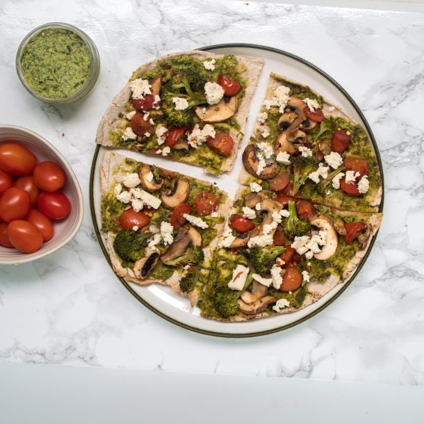vegan meal prep pesto pita pizza
