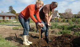 Double dig demo on gardening day