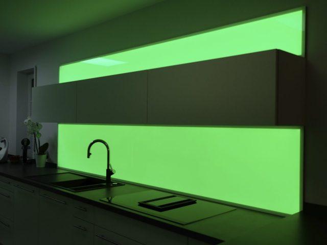 Die Küchenrückwand mit Licht gestalten - PLEXIGLAS®