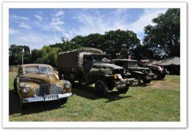 les retrovailles vehicules militaires