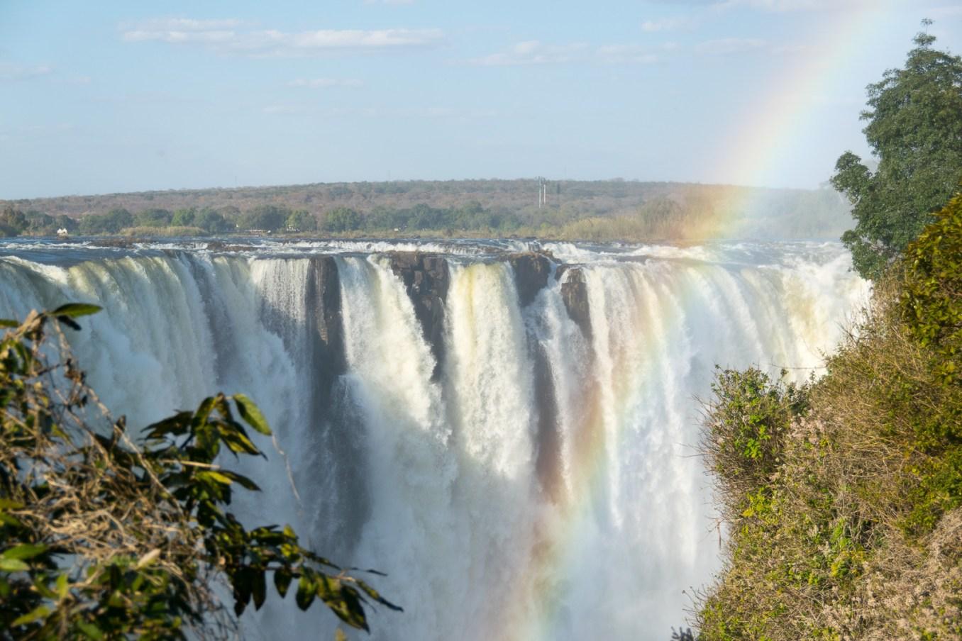 victoria_falls_rainbow