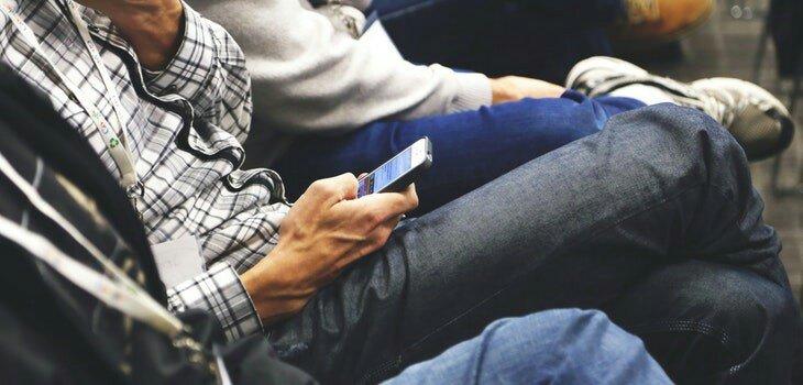 Si quieres un móvil seguro, evita hacer estas cosas con él