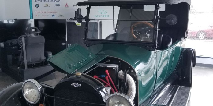 electric vehicle discovery centre – plug'n drive