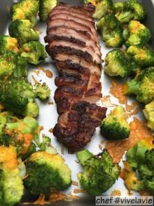 Gegrild spek met gegratineerde broccoli