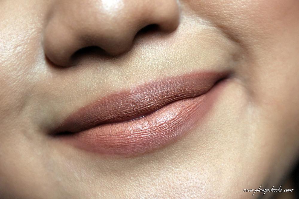 Nude Embrace on Lips